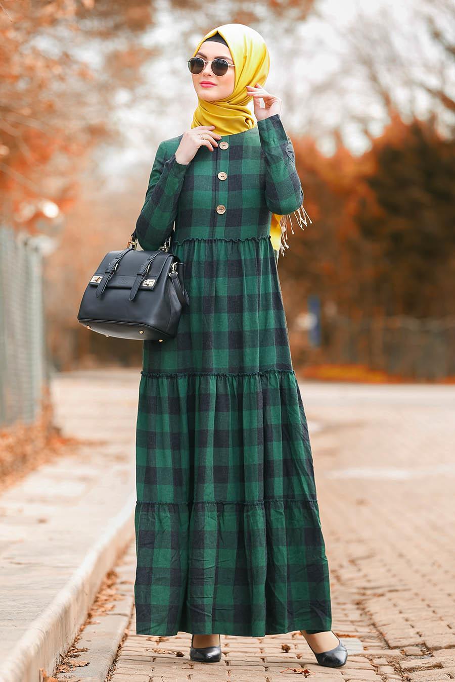 Nayla Collection - Fırfırlı Ekoseli Yeşil Tesettür Elbise 8373Y