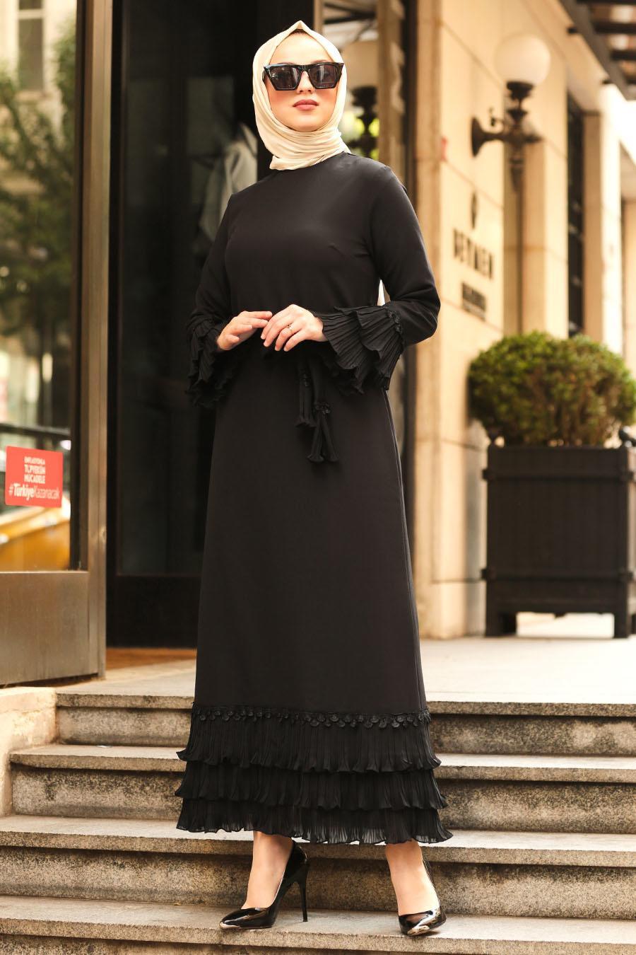 Nayla Collection - Volan Kollu Siyah Tesettür Elbise 6754S