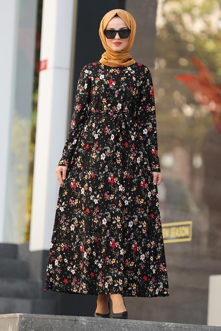 Neva Style - Çiçek Desenli Siyah Tesettür Elbise 43093S