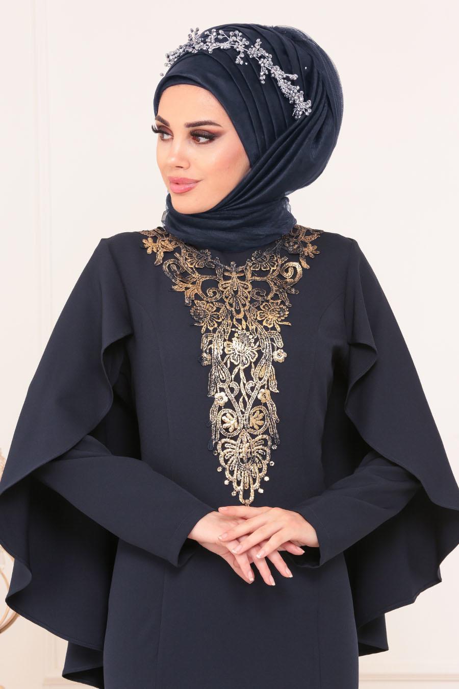 Neva Style - Önü Dantel Detaylı Pelerinli Lacivert Tesettür Abiye Elbise 52591L