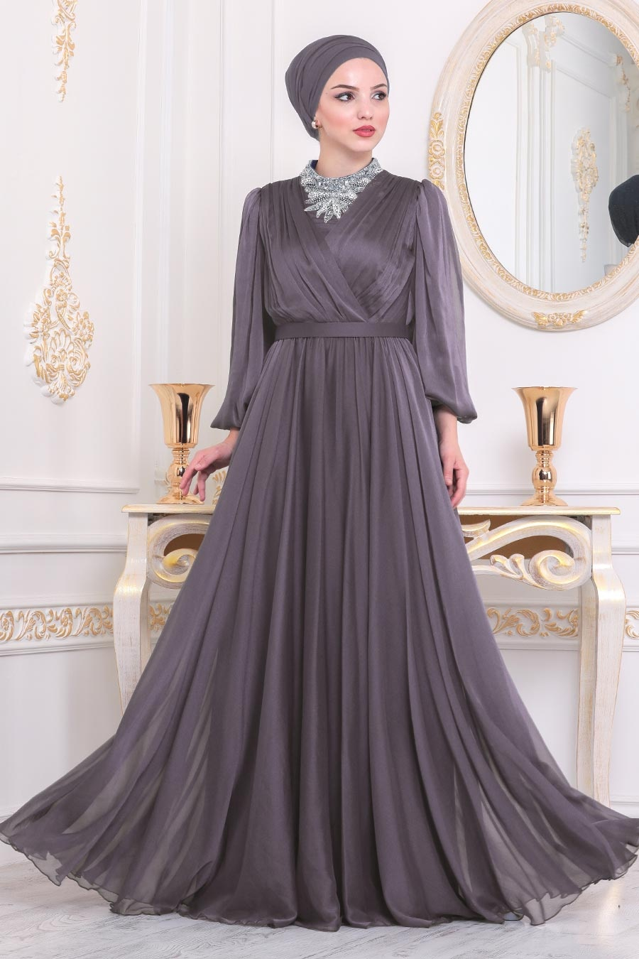 Tesettürlü Abiye Elbise - Boncuk İşlemeli Koyu Lila Tesettür Abiye Elbise 40550KLILA