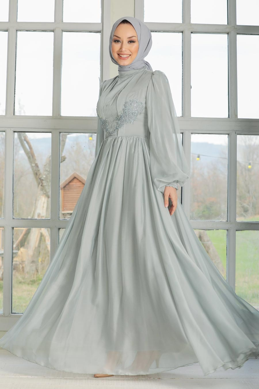 Tesettürlü Abiye Elbise - Dantel Detaylı Gri Tesettür Abiye Elbise 33190GR
