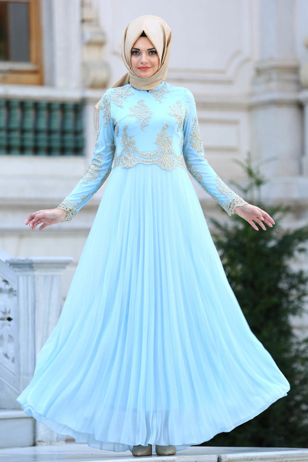 Tesettürlü Abiye Elbise - Dantel Detaylı Pliseli Bebek Mavisi Tesettür Abiye Elbise 77221BM