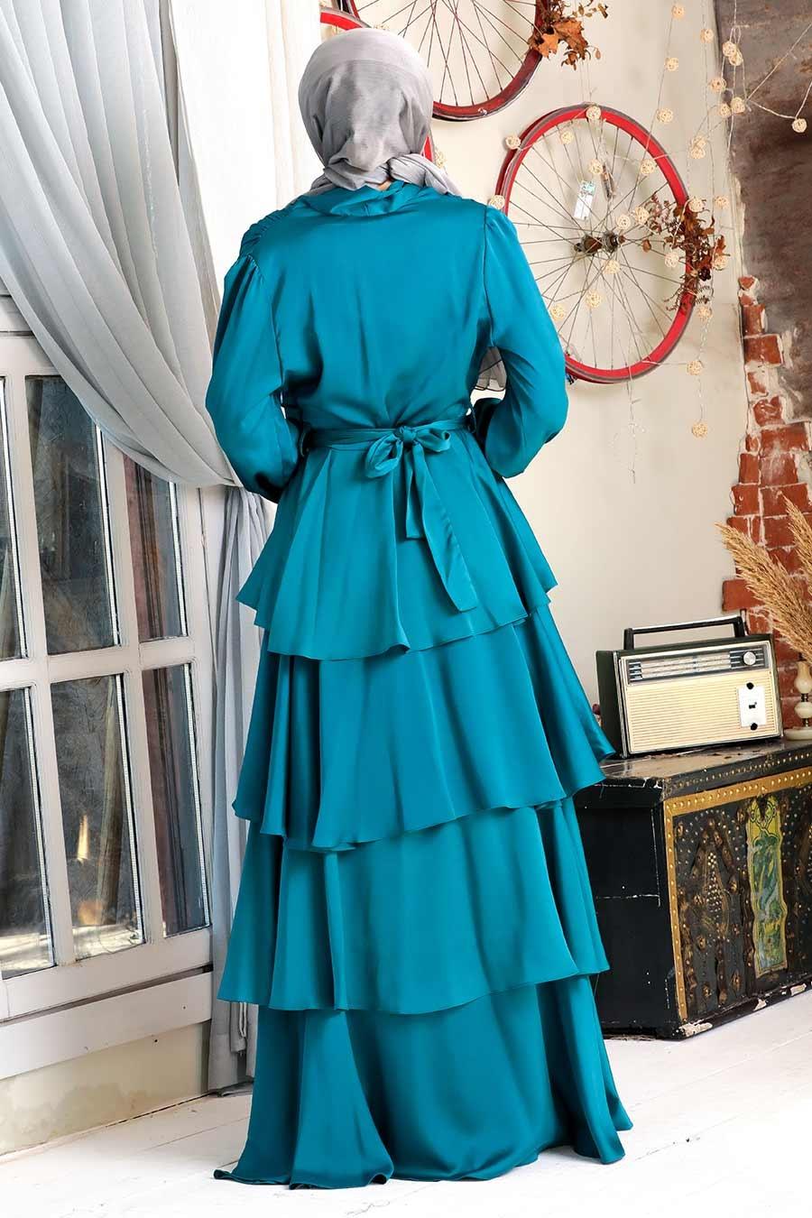 Tesettürlü Abiye Elbise - Fırfırlı Krep Saten Petrol Yeşili Tesettür Abiye Elbise 22701PY