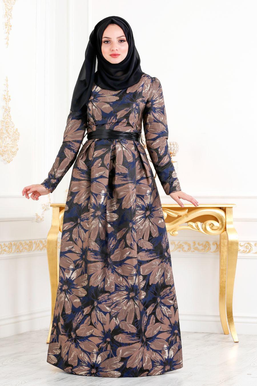 Tesettürlü Abiye Elbise - Jakarlı Çiçek Desenli Kahverengi Tesettürlü Abiye Elbise 82459KH