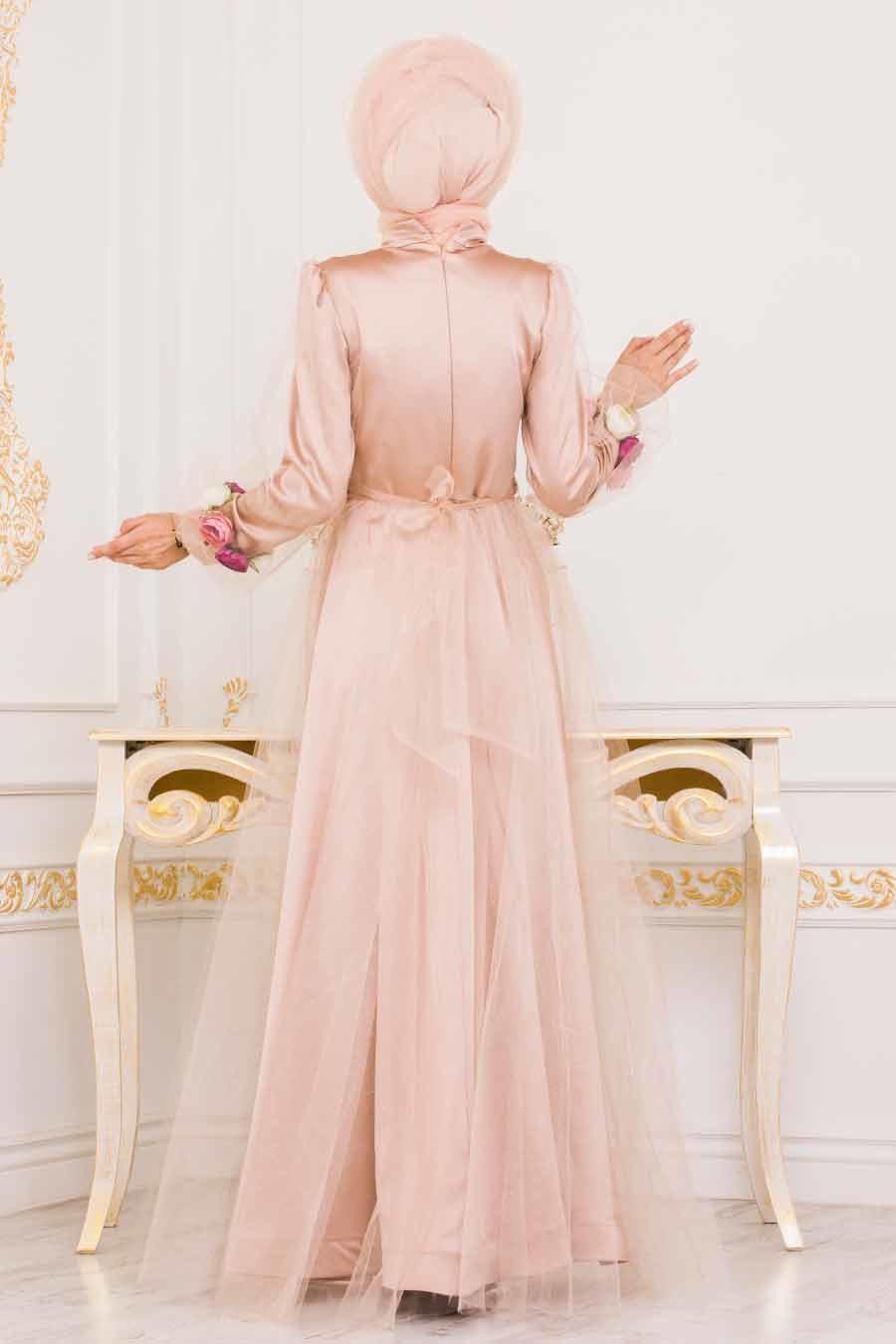 Tesettürlü Abiye Elbise - Kolları Çiçek Detaylı Gold Tesettür Abiye Elbise 3946GOLD