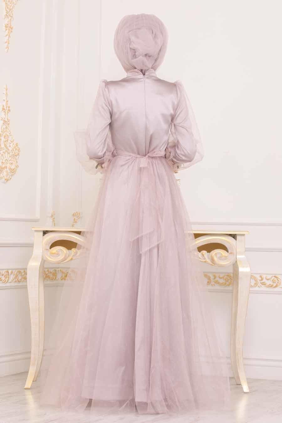 Tesettürlü Abiye Elbise - Kolları Çiçek Detaylı Vizon Tesettür Abiye Elbise 3946V