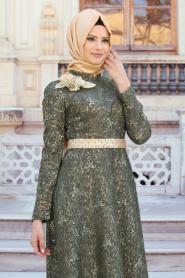 Tesettürlü Abiye Elbise - Omuzu Çiçek Detaylı Haki Tesettür Abiye Elbise 7361HK - Thumbnail