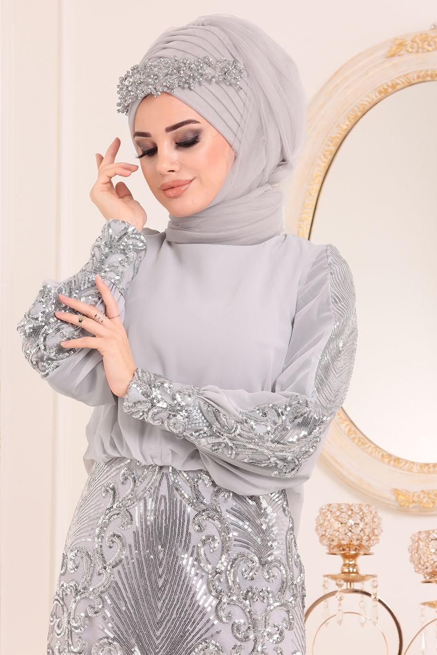 Tesettürlü Abiye Elbise - Pul Detaylı Gri Tesettür Abiye Elbise 45820GR