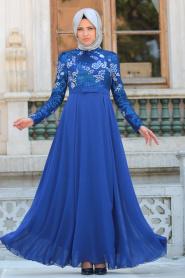 Tesettürlü Abiye Elbise - Pul Payetli Çiçek Detaylı Sax Mavisi Tesettür Abiye Elbise 7694SX - Thumbnail