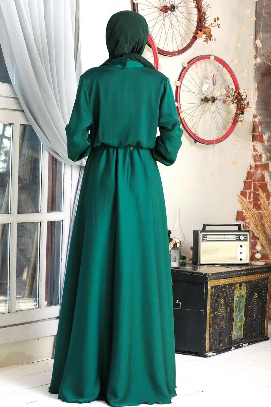 Tesettürlü Abiye Elbise - V Yaka Krep Saten Yeşil Tesettür Abiye Elbise 1418Y
